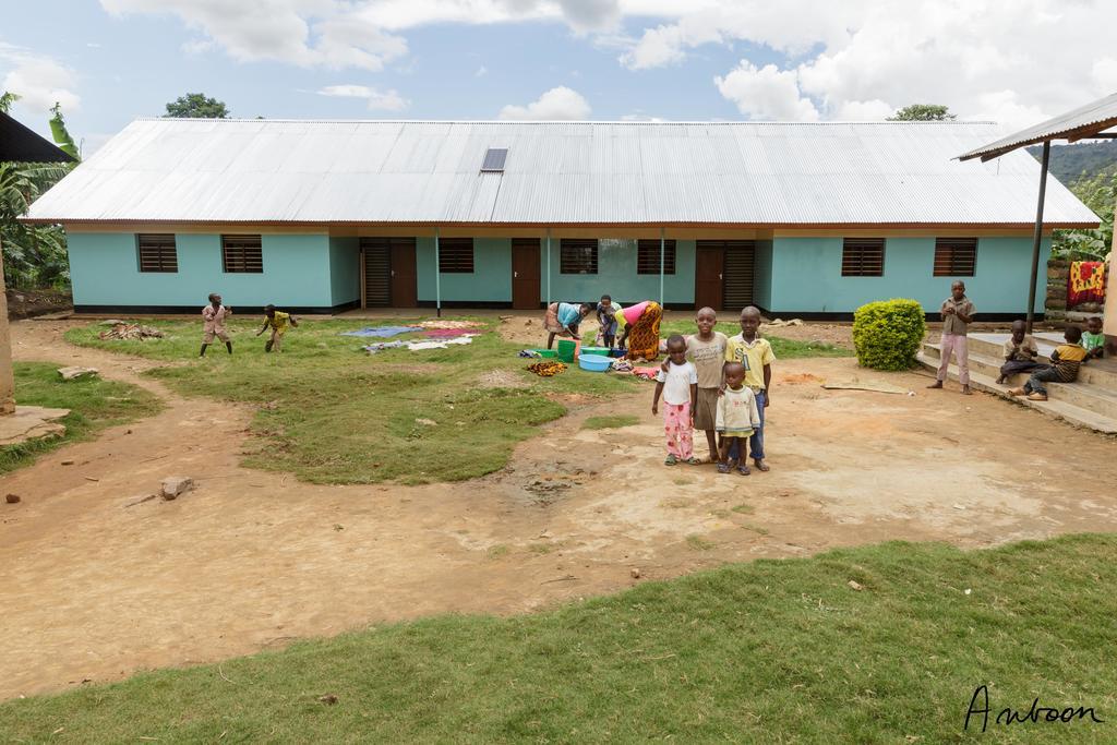 Nieuw gebouw met slaapkamers voor 25 kinderen