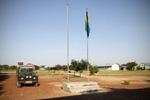 Vlaggenmast voor het administratieve gebouw