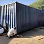 Le container est 'roulé' vers sa place définitive.