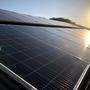 Tous les 40 panneaux solaires sont sur le toit.